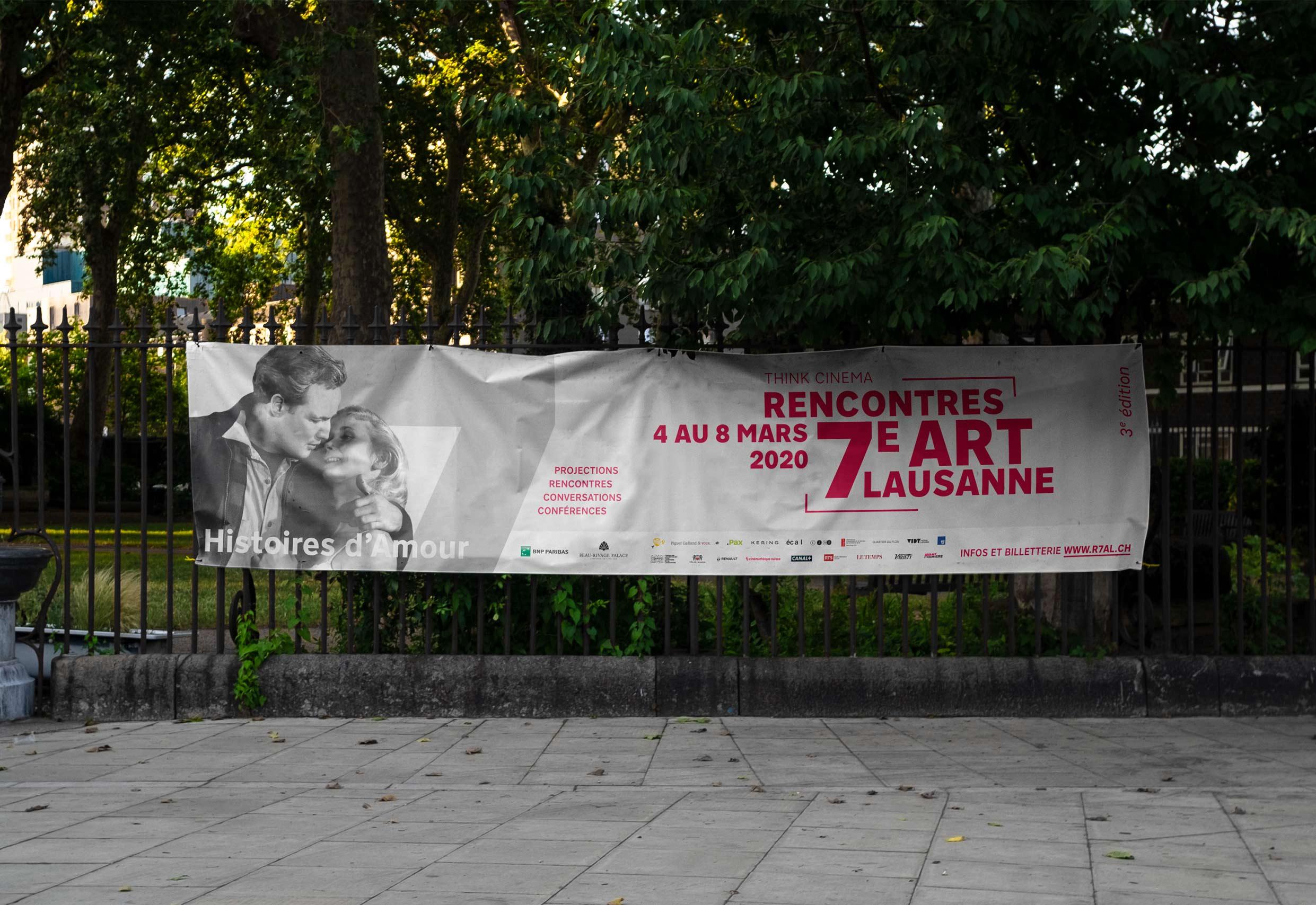 Bâche publicitaire disposées en ville de Lausanne avec la publicité pour le festival R7AL